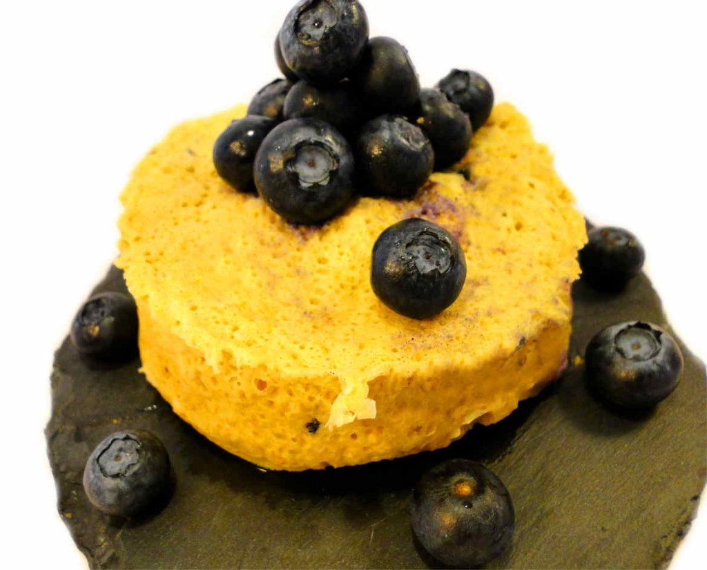 Blaubeer Mug Cake Mikrowellenkuchen